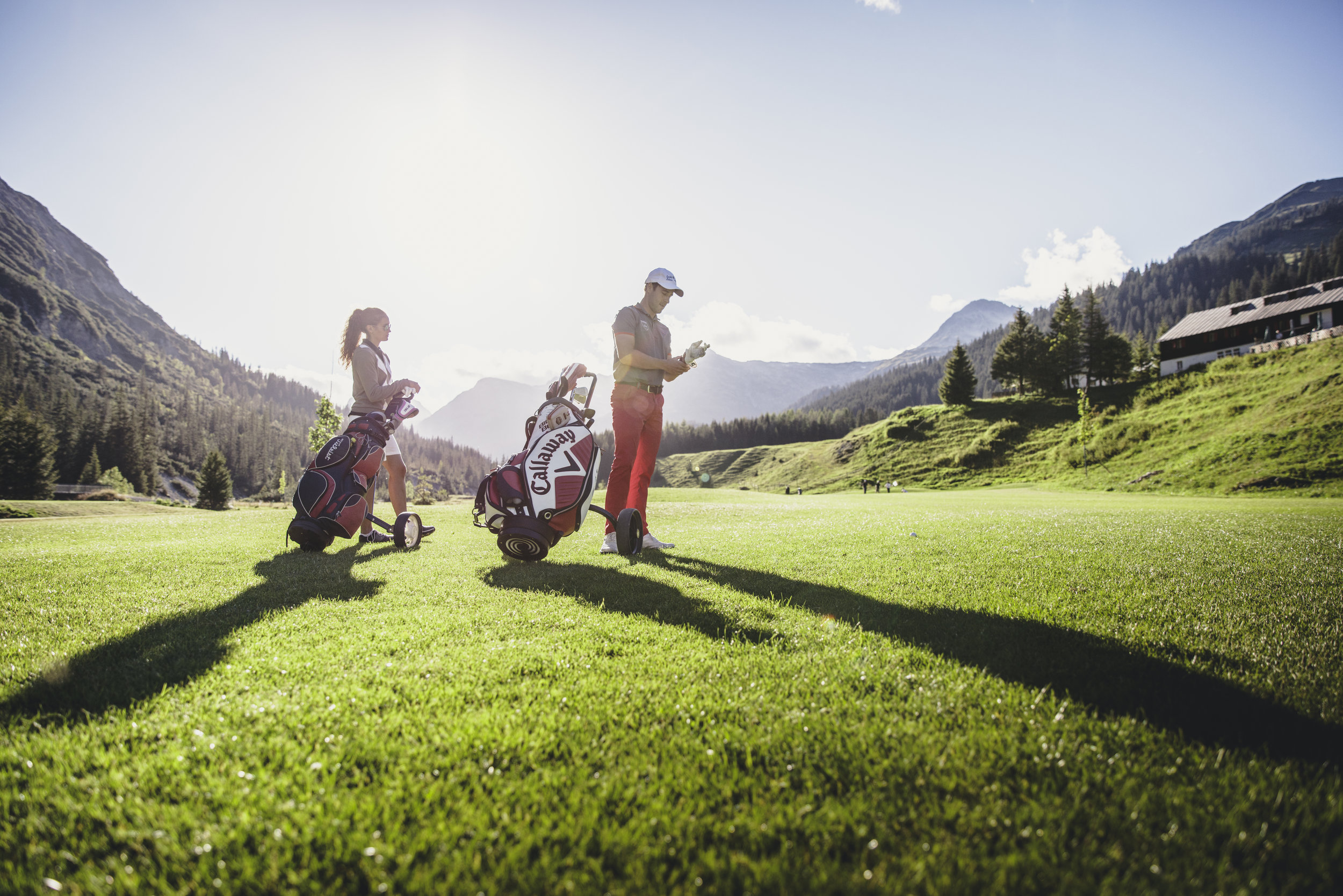 MATS_LECH_Sommer_Aussenansicht_Golfen